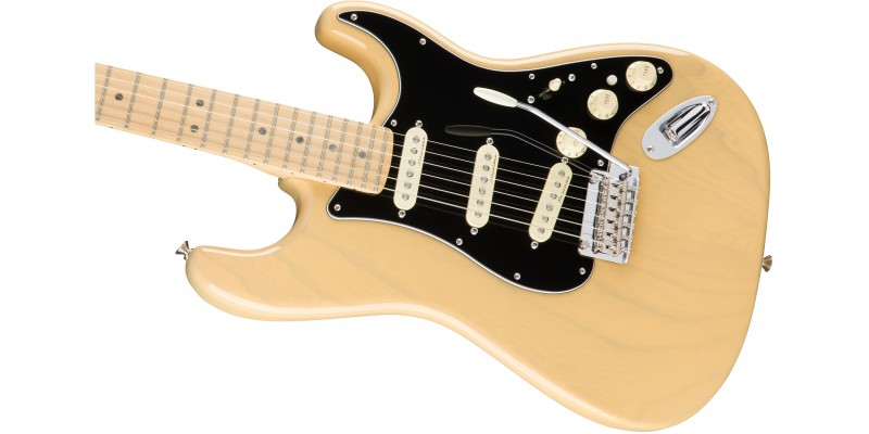 fender deluxe stratocaster guitar vintage blonde maple. Black Bedroom Furniture Sets. Home Design Ideas